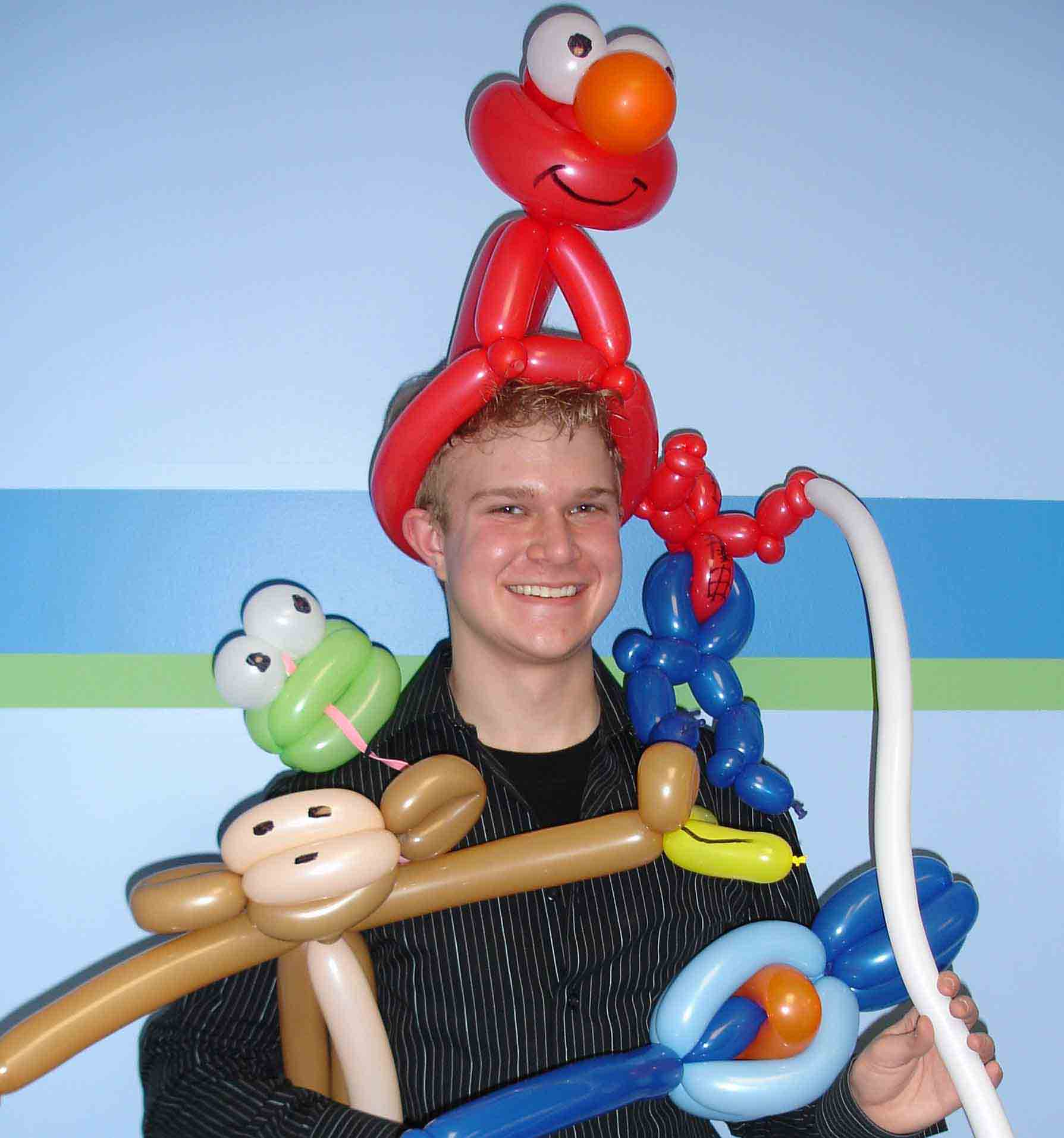 Hire Professional Balloon Twister